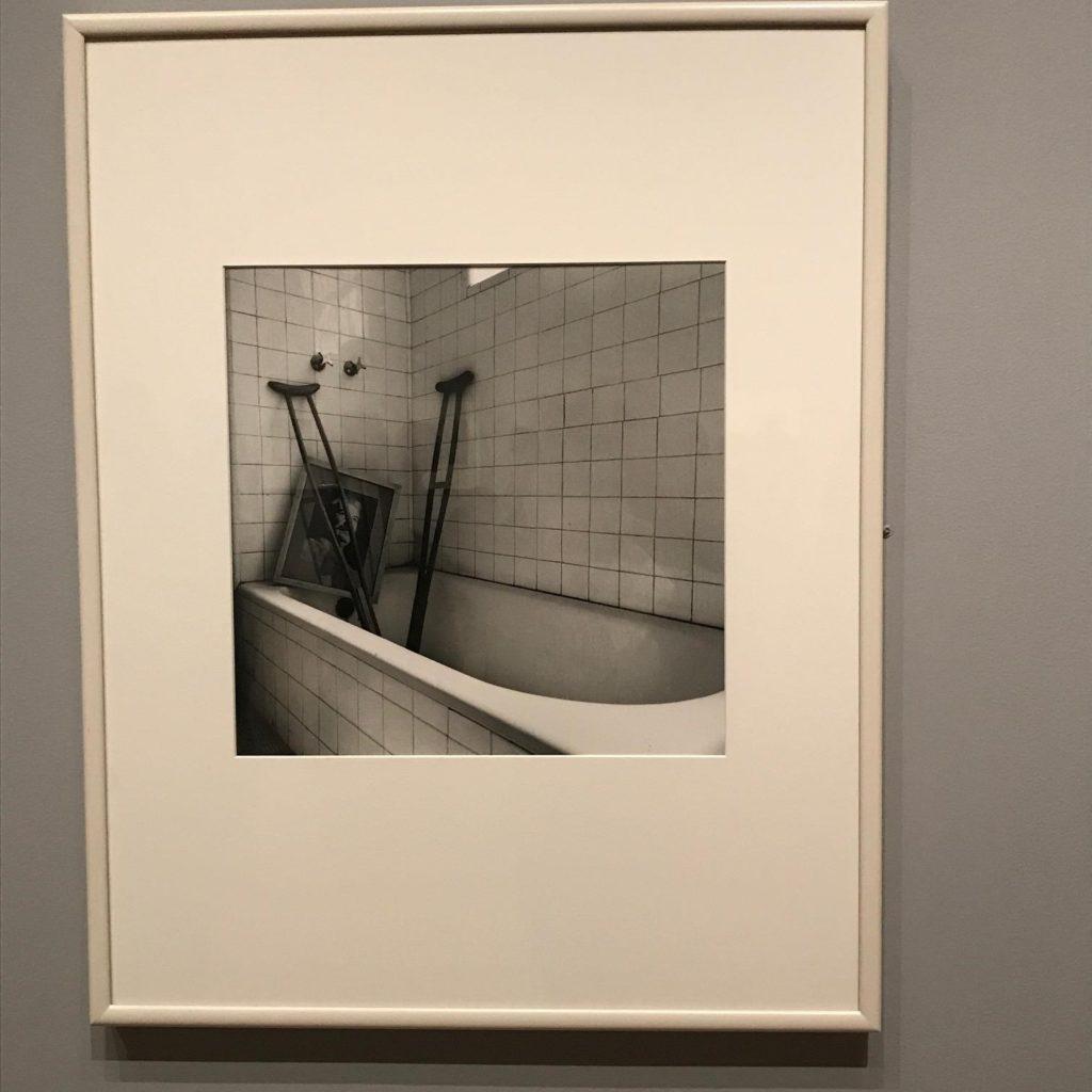 """""""El baño de Frida, Coyoacán, Ciudad de México,"""" (Frida's Bathroom, Coyoacán, Mexico City), Graciela Iturbide, 2005. Jane Burke Gallery (Gallery 335), Museum of Fine Arts, Boston, Photograph by Flora Smyth Zahra."""